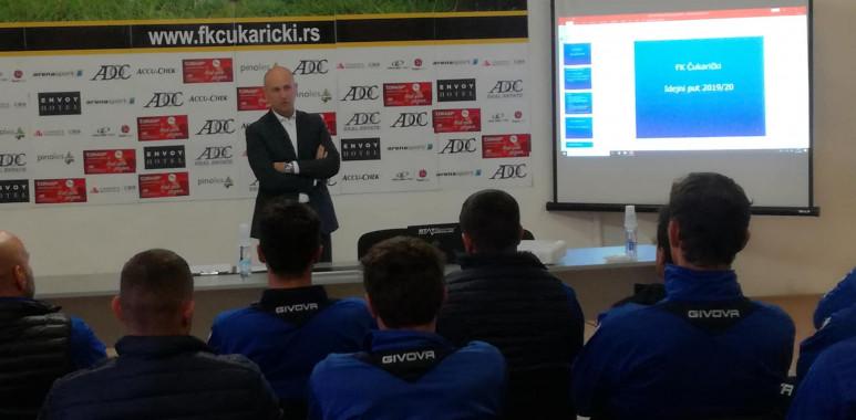 Veselinović održao predavanje i pokazni trening polaznicima osme generacije UEFA PRO kursa--AleksandarVeselinovic