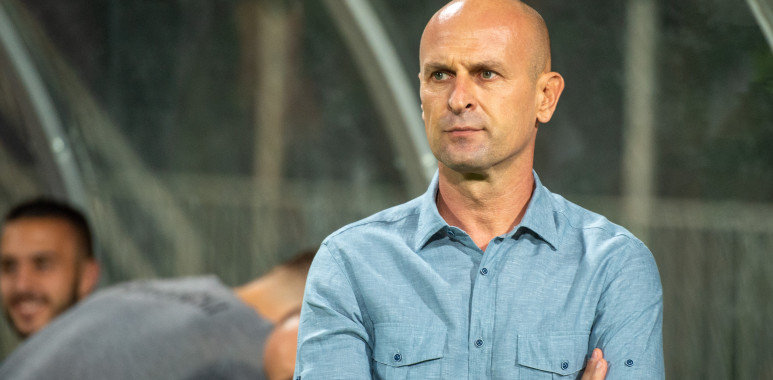 Ekspedicija Čukaričkog doputovala na Kipar, Veselinović poručio da će svima dati šansu--AleksandarVeselinovic