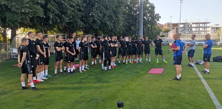 Čukarički počeo sa pripremama, na prvoj prozivci Veselinoviću se javilo 28 igrača--