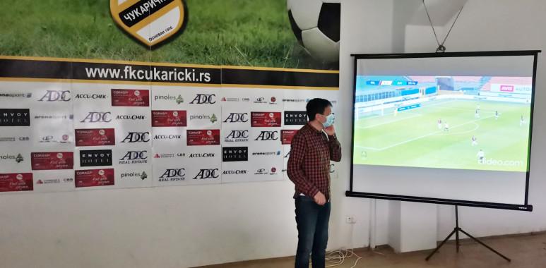 Igor Radojičić održao predavanje fudbalerima Čukaričkog, uz akcenat na osnovnim principima VAR sistema--